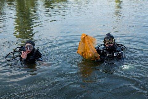 15 Nettoyage du lac de Viry